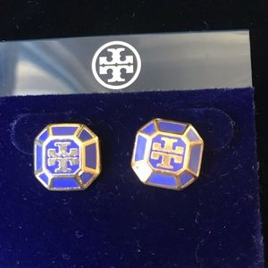 CLASSIC TORY BURCH STUD EARRINGS